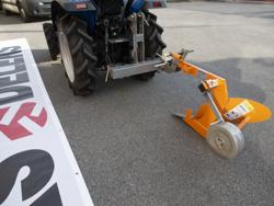aratro singolo con ruotino per trattore tipo goldoni o carraro mod dp 20