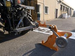 aratro monovomere con ruotino per trattore gommato stretto mod dp 35