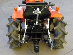 kit sollevamento per trattori tipo kubota iseki