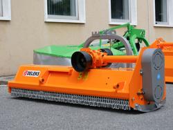 trinciatrice reversibile spostabile 140cm per trattore da frutteto mod puma 140 rev