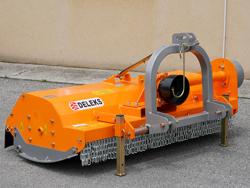 trinciaerba e sarmenti spostabile a mazze per trattore mod tigre 200