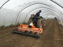 fresa interrasassi con rullo lavoro utile 95cm per la preparazione del letto di semina mod dfu 100