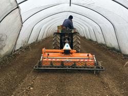 fresa agricola interrasassi 135 cm lavoro utile con rullo per l orto e letto di semina mod dfu 140