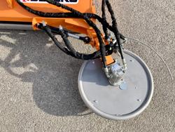 trinciatrice a spostamento idraulico e disco interfilare per trattrici da frutteto mod interfila 150