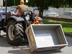benna con sponde apribili per trattrice agricola t 1600