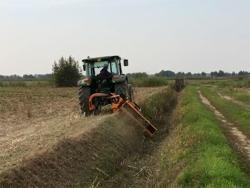 trincia argini per trattore serie pesante 140cm di taglio moltiplicatore esterno mod alce 140
