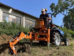 retroescavatore portato con benna per trattore agricolo mod drs 1000t