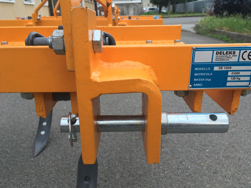 estirpatore-deleks-per-trattori-tipo-kubota