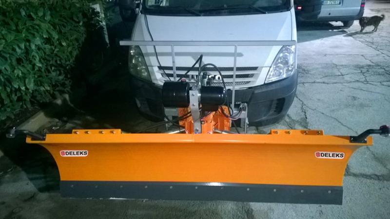spazzaneve-175cm-serie-media-attacco-per-furgone-autocarro-mod-ln-175-j