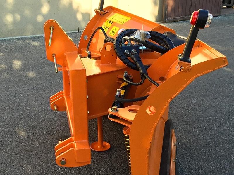 vomere-sgombraneve-frontale-180cm-spazzaneve-per-trattore-mod-lnv-180-c