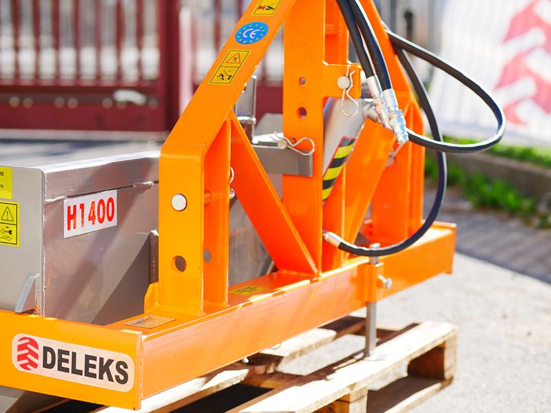 pala-ribaltabile-rinforzata-per-trattore-da-140cm-ribaltamento-idraulico-mod-pri-140-h