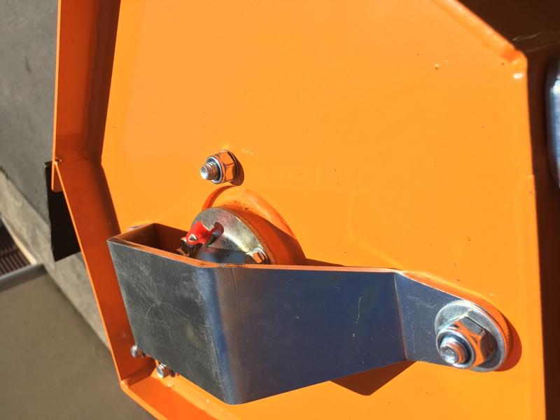 braccio-decespugliatore-idraulico-per-trattore-trincia-o-barra-tosasiepi-mod-airone-100