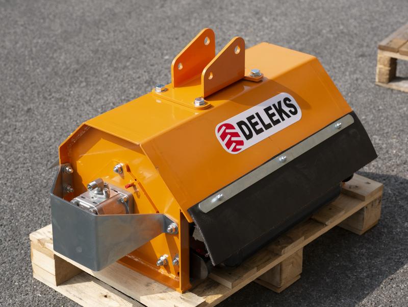 trincia-rovi-per-miniescavatore-da-60cm-decespugliatore-idraulico-mod-ar-60