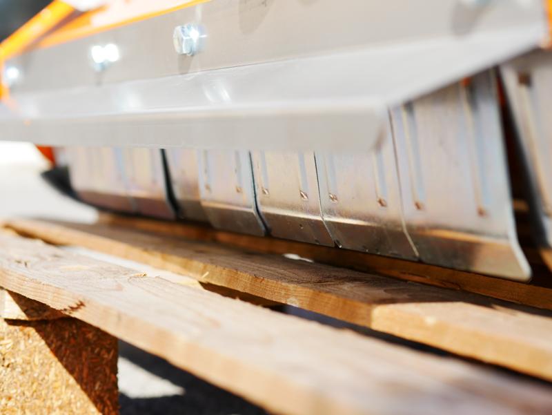 trincia-a-mazze-per-trattore-serie-leggera-1m-di-taglio-trinciaerba-per-prato-e-vigneto-mod-lince-100