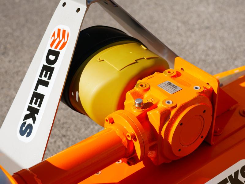 trincia-a-mazze-per-trattore-140cm-di-taglio-serie-leggera-per-erba-e-vigneto-mod-lince-140