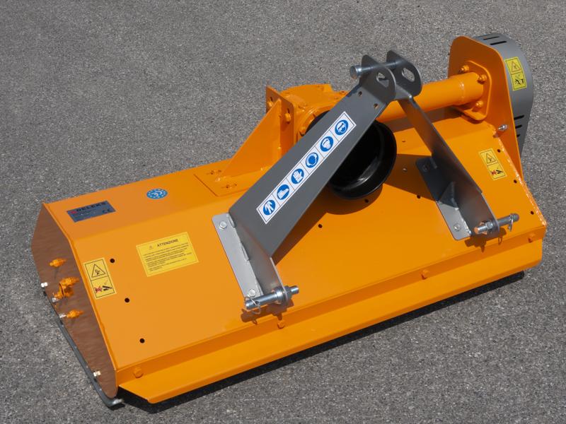 trinciatrice-per-trattore-gommato-o-cingolato-per-erba-e-sarmenti-taglio-utile-165cm-a-mazze-lince-165