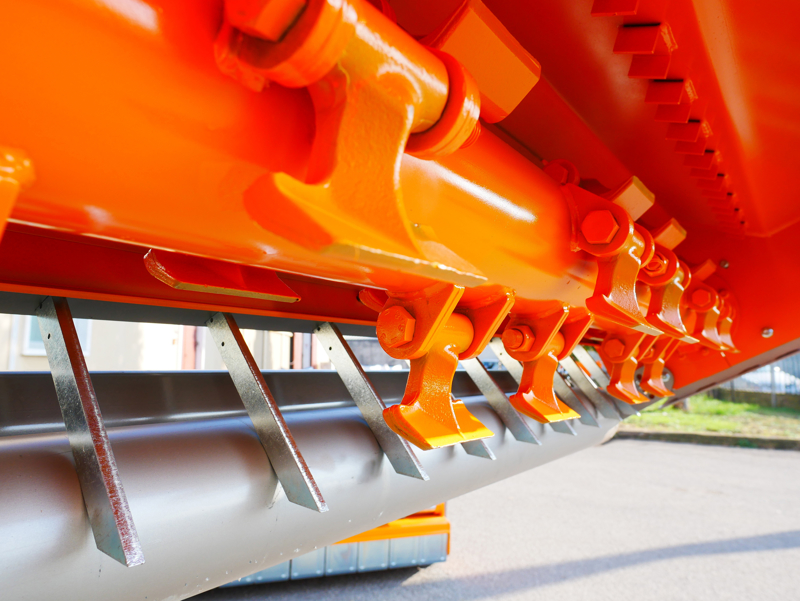 trinciasarmenti-spostabile-per-trattore-gommato-o-cingolato-mod-pantera-210
