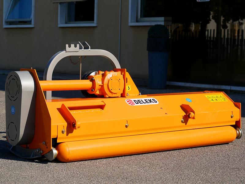 trincia-erba-e-sarmenti-a-mazze-serie-media-da-140cm-di-taglio-per-trattore-da-frutteto-mod-puma-140