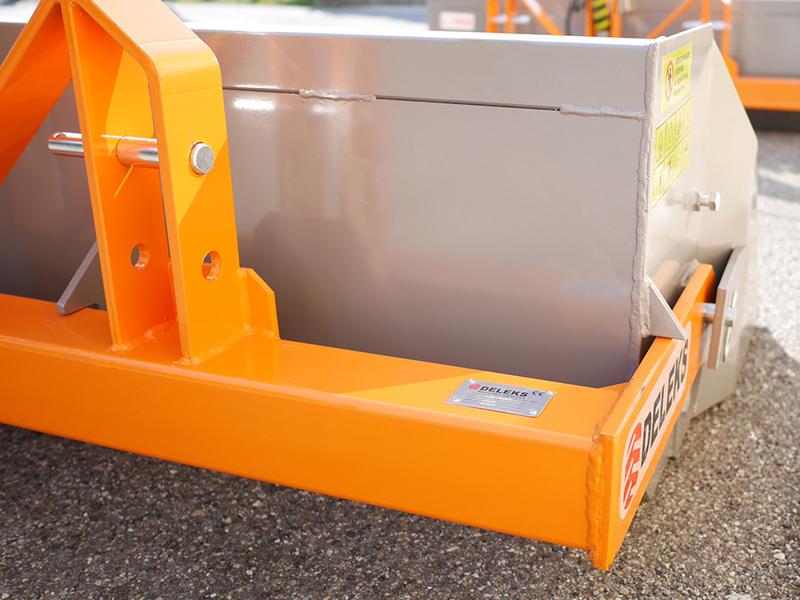 pala-bilanciata-rinforzata-con-ribaltamento-idraulico-per-trattore-larga-160cm-mod-pri-160-h