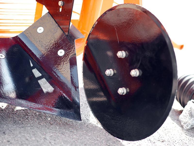 scava-patate-e-tuberi-per-trattore-scarico-laterale-mod-dpt-150