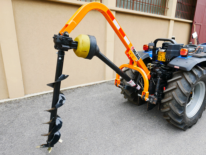 trivella-portata-per-trattore-con-cardano-mod-l-30