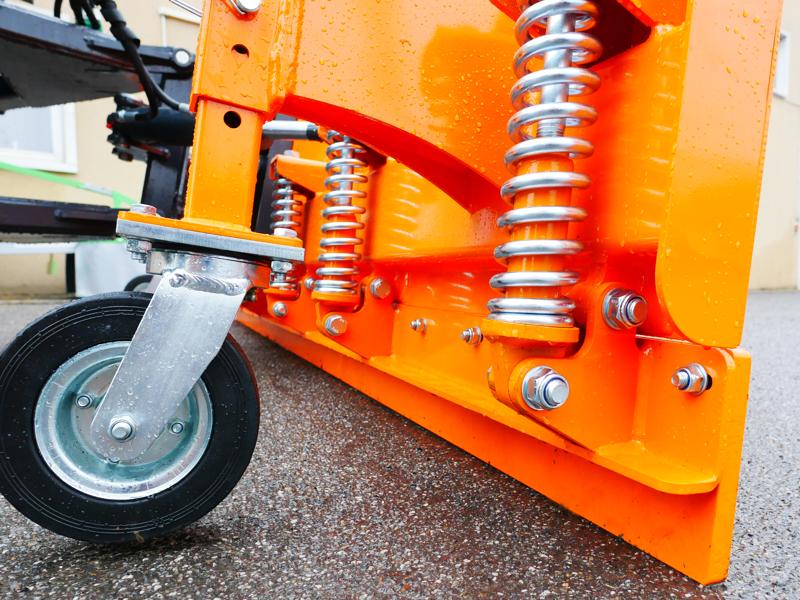 sgombraneve-frontale-attacco-a-piastra-per-trattore-o-camion-mod-ssh-04-2-6-a