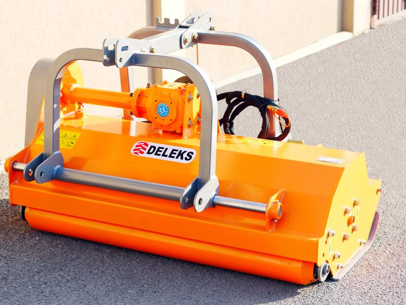 trinciatrice-compatta-a-spostamento-idraulico-per-trattrici-da-frutteto-mod-rino-140