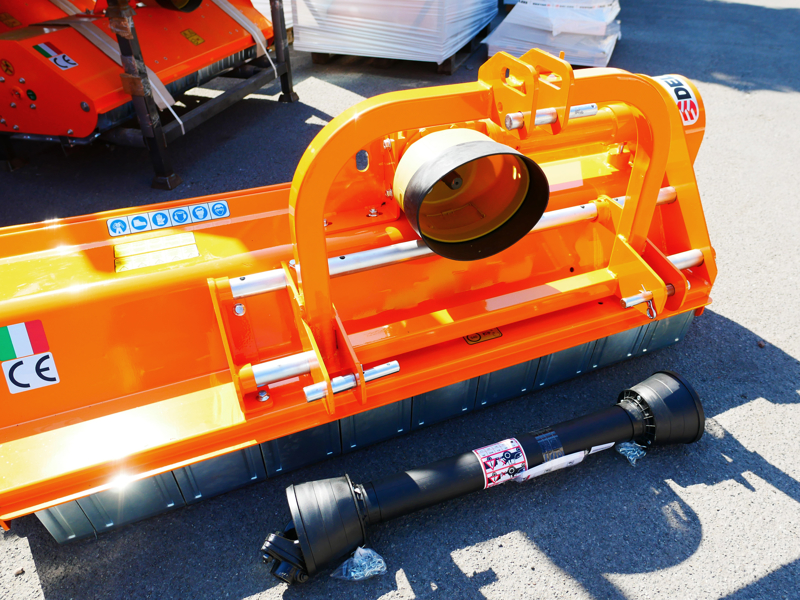 trincia-erba-e-sarmenti-a-mazze-serie-media-da-160cm-di-taglio-per-trattore-da-frutteto-mod-leopard-160-sp