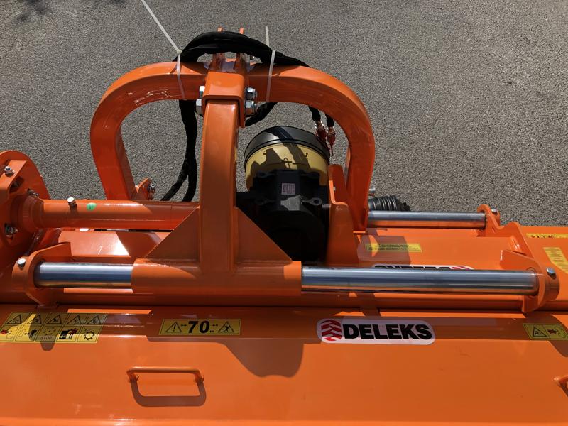 trinciatrice-serie-pesante-spostabile-universale-a-mazze-per-trattore-toro-240