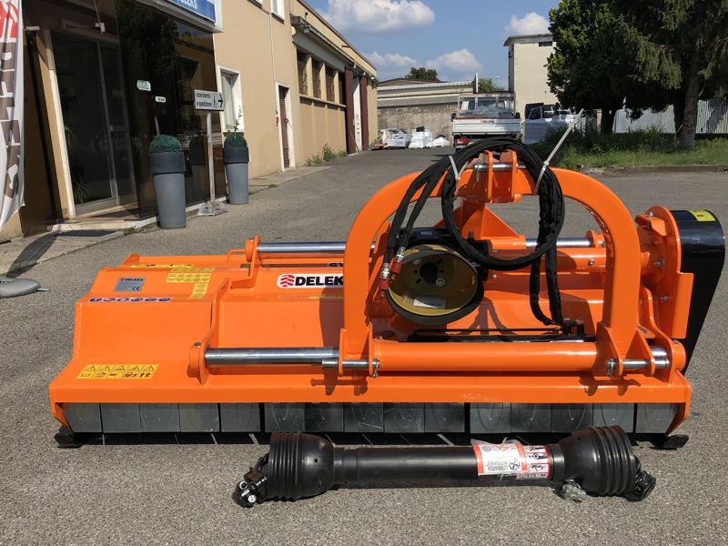 trinciatrice-serie-pesante-spostabile-universale-a-mazze-per-trattore-toro-190