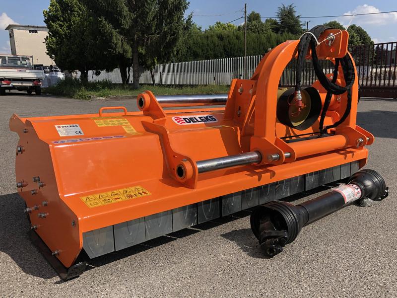 trinciatrice-serie-pesante-spostabile-universale-a-mazze-per-trattore-toro-220