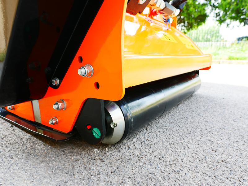 trincia-rovi-per-miniescavatore-da-80cm-decespugliatore-idraulico-mod-arh-80