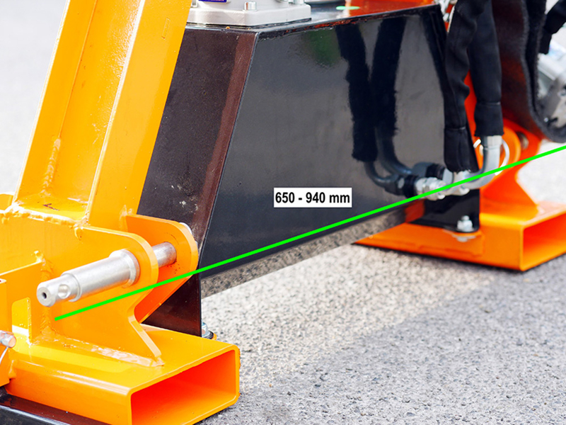 braccio-decespugliatore-idraulico-con-barra-falciante-potasiepi-per-trattore-mod-falco-180-h